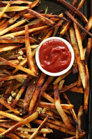 Crispy Baked Garlic Matchstick Fries image